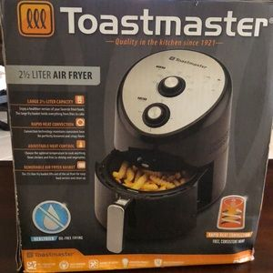 Toastmaster 2.5 liter air fryer - NIB